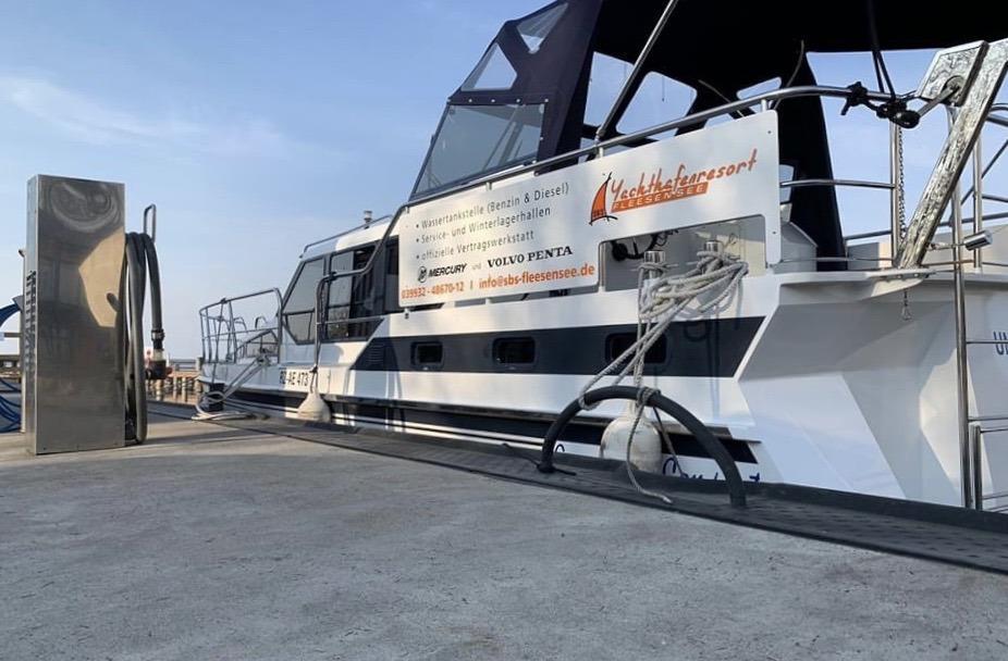 Yachthafenresort Fleesensee 🛥 www.sbs-fleesensee.de