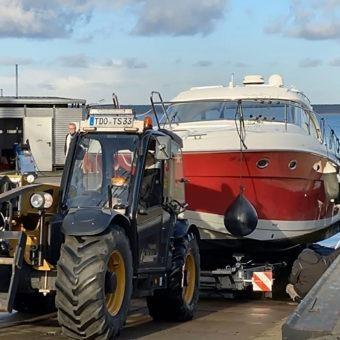 Yachthafenresort Fleesensee I 🛥 www.sbs-fleesensee.de I Hallenlager Penkow
