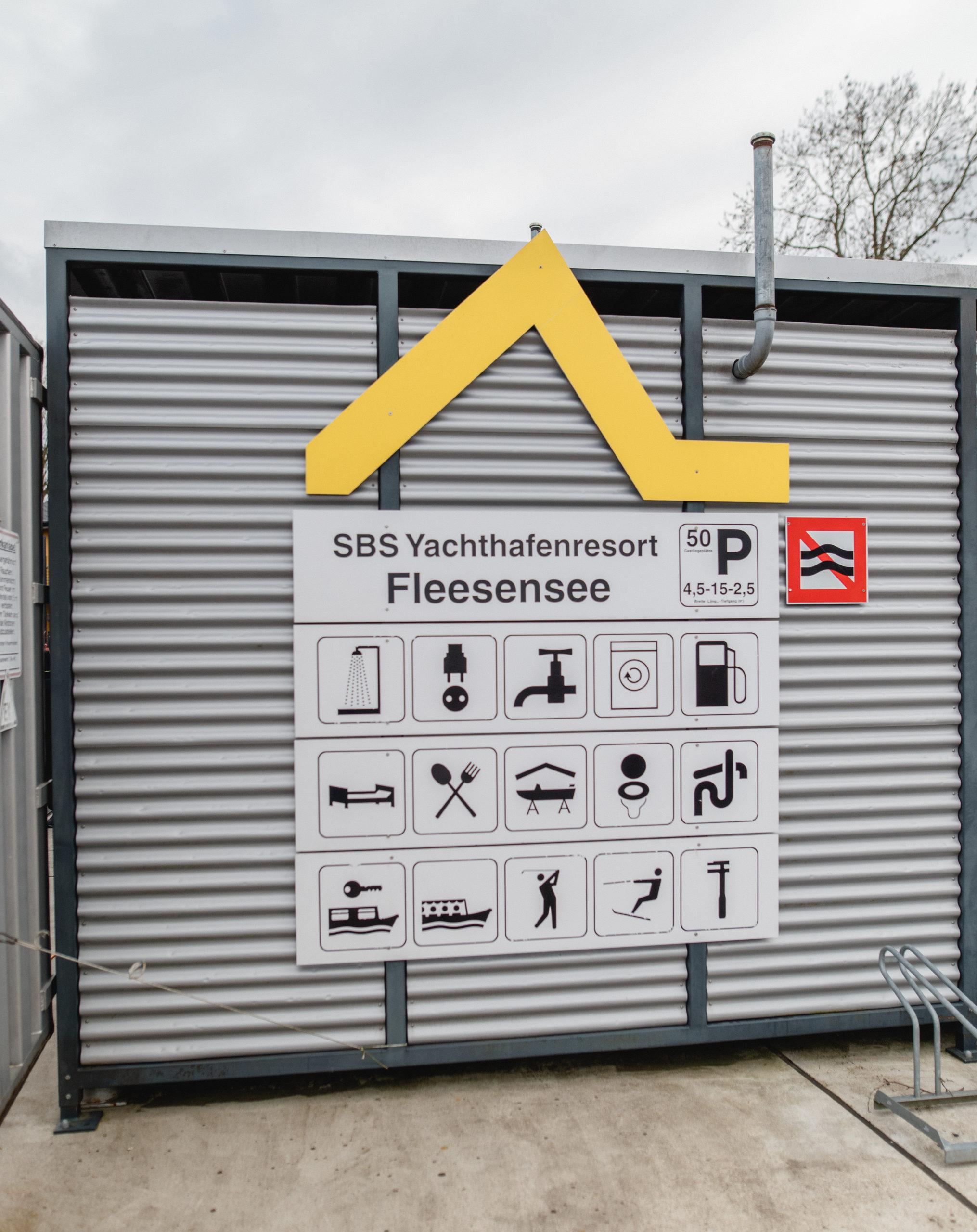 Yachthafenresort Fleesensee I🛥 www.sbs-fleesensee.de I Hafen
